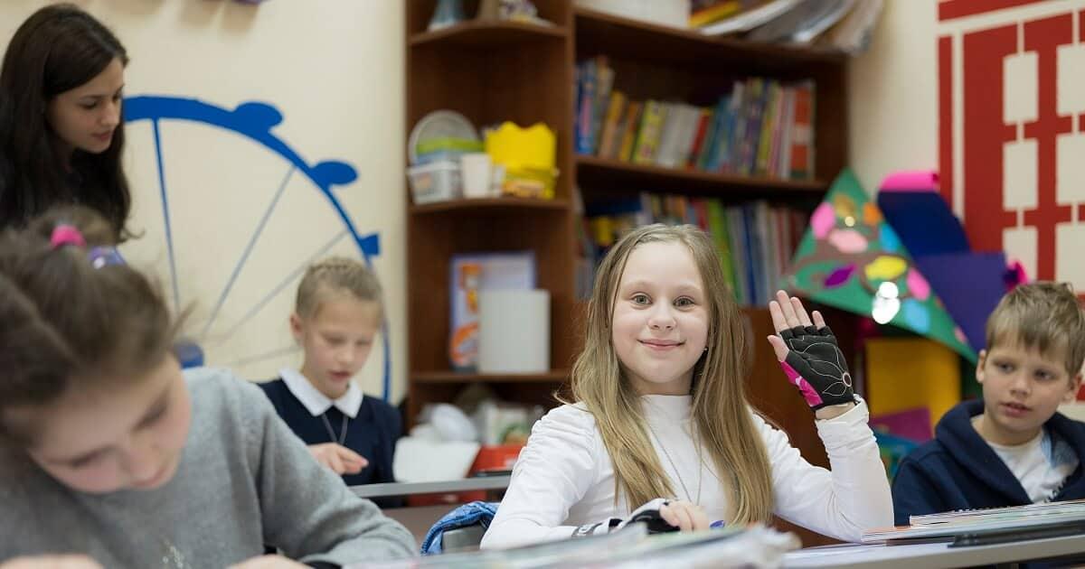 Должны ли дети учить английский с носителем?